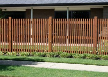 Paling_fence_KM_Designs-115-800-600-80