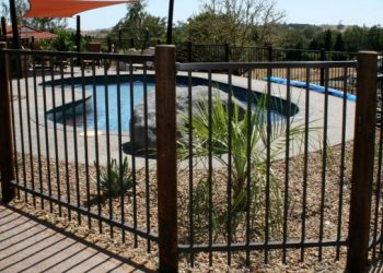 Pool_fencing_-125-800-600-80
